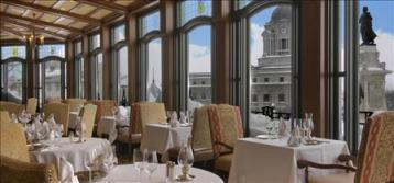 Cafe-at-Frontenac-Quebec